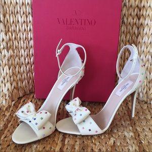 NIB Valentino Garavani Rockstud Sandal Heels 40.5